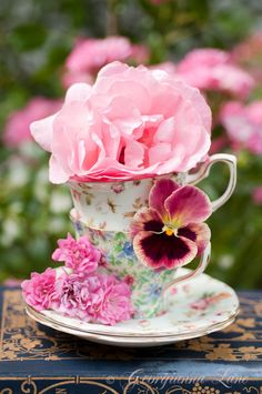a bit of floral loveliness for the afternoon tea tray