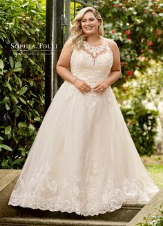 Mon Cheri Bridal offers wedding dress collections from designers like Martin Thonburg, Sophia Tolli, & more. Find your perfect Spring 2019 wedding dress! Sophia's Bridal, Bridal Dresses, Dream Wedding Dresses, Wedding Dresses For Curvy Women, Prom Dresses, Plus Size Wedding Gowns, Curvy Bride, Wedding Attire, Wedding Wear