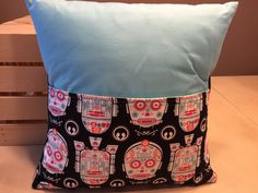 C3P0 & R2D2 Pocket Pillow by thescrappyquilter22 on Etsy