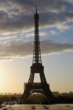 Tour Eiffel le matin