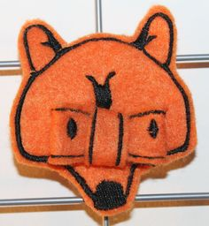 Fox/Wolf bow ITH embroidery machine pattern