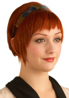 short red hair, cute! we have a similar face shape. I could so do this........