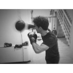 #RiccardoPozzoli Riccardo Pozzoli: Good night. #boxe #sport #rehab #rockyourbodies (pic by @marco.romansclub )