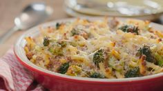 Macaroni with minced meat and broccoli - Every day tasty recipes with Libelle tasty! With a weekly menu, shopping list, explanation of cooki - Spicy Recipes, Pasta Recipes, Italian Recipes, Dinner Recipes, Healthy Recipes, Oven Dishes, Pasta Dishes, Easy Cooking, Cooking Recipes