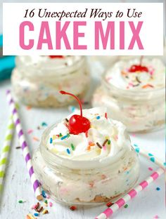 No Bake Funfetti Cheesecake Cups! What& better than a no bake dessert? One that tastes like cake batter! Mini Desserts, Cake Mix Desserts, Cake Mix Recipes, Delicious Desserts, Dessert Recipes, Yummy Food, Cake Mixes, Oreo Dessert, Dessert Simple