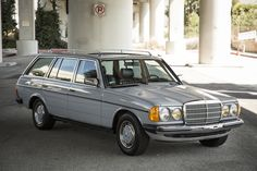 Mercedes Motoring - 1985 280TE Gasoline Station Wagon