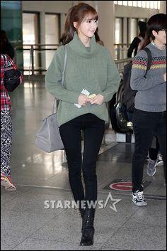 Yoona Im snsd Girls Generation airport fashion
