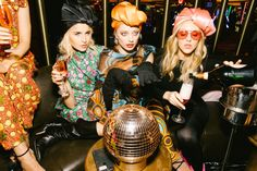 - Caro Daur | A High Fashion & Beauty Blog Fashion Photo, High Fashion, Fashion Beauty, Vintage Shops, Retro Vintage, Gala Gonzalez, Weird Dreams, Playing Dress Up, New Trends