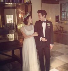 Kim Go Eun thanks fans on new Instagram with Goblin wedding photo and more