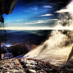 did you thank your local snowmaker today? were riding t2b on soon to be three peaks with %100 manmade. #imasnowgod #ilovemyjob #snowmaking #killington #snow #ski #snowboard #snowboarding #manmade #natural #nature #lift #chairlift #vermont #vt #802 #instadaily #potd #poty #photooftheday #iphonesia #iphone #obsessed