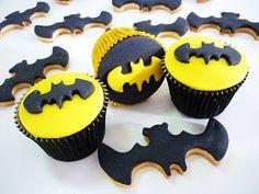 Batman cupcakes & cookies
