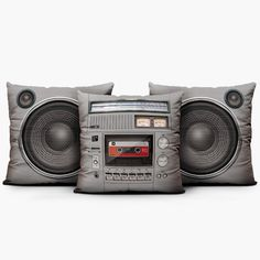 Pillow cover inspired on vintage boombox set. Boombox, Casa Rock, Music Furniture, Home Music Rooms, Classic Throws, Band Rooms, Recording Studio Home, Studio Setup, Studio Design