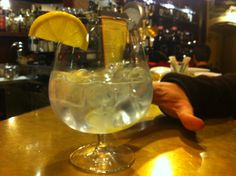 "That's a gin tonic ! At ""E lucevan le stelle"" WIne Bar & Bistro, #Montepulciano, #Tuscany (www.locandasanfrancesco.it)"