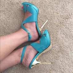 """Bakers High Heels  """"Ansley"""" Beautiful turquoise color in this sexy high-heeled sandal. NWOT, brand new (never worn) textured & smooth patent leather, with shiny gold heel! Cut out detailing, ankle strap. Size 10 but fits my 9-1/2 feet perfectly! 5"""" heel ~ 1"""" platform. Sexy shoe  Bakers Shoes Heels"""