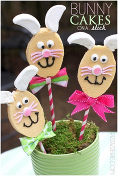 Tutorial: DIY Easter Bunny Cakes on a Stick By Pizzazzerie