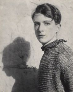 "allthebeautifulones: "" killerbeesting: "" Cecil Beaton, self portrait, 1920s "" """