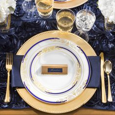 10.25  Harmony White Blue Gold Plastic Dinner Plates : disposable plates that look real - pezcame.com
