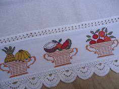 Simple Cross Stitch, Minis, Crewel Embroidery, Cross Stitch Designs, Crochet, Zip Around Wallet, Floral, Cross Stitch Kitchen, Dish Towels
