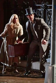 The Greatest Showman Hugh Jackman and Michelle Williams Image 1 Movie Photo, I Movie, Strongest Animal, Amazing Songs, Movie Couples, The Greatest Showman, Vintage Fashion Photography, Michelle Williams, Movie Costumes
