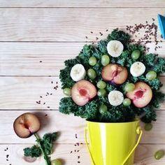 In forma con le ricette del Mediterraneo SEMPLICITÀ, QUALITÀ, GUSTO Grazie all'acqua è possibile dimagrire in modo più rapido e mitigare  il senso di fame, per questo 8-10 bicchieri al giorno nell'arco della  giornata e una dieta ricca di liquidi, soprattutto frutta e verdura, aiutano il metabolismo con risultati visibili in poco tempo. Aspetto, consistenza e sapore sono tre ingredienti fondamentali per mangiare bene, chiarisce il dottor Sorrentino, che apprezza la buona cucina mediterranea…