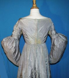 ANTIQUE-DRESS-1835-45-LADY-039-S-SILK-GOWN-ALL-HAND-STITCHED-MUSEUM-DE-ACCESSION