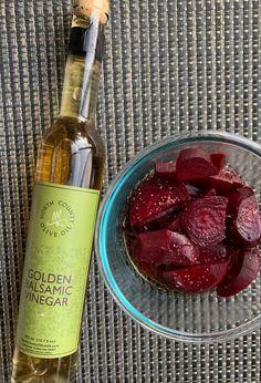 Recipe in blog Greek Girl, Balsamic Vinegar, Beets, Whiskey Bottle, Olive Oil, Blog, Recipes, Blogging