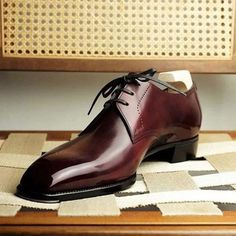 """""""Be well dressed, behave like a gentleman, and keep your shoes shined. Mens Shoes Boots, Leather Shoes, Shoe Boots, Formal Shoes, Casual Shoes, Gents Shoes, Gentleman Shoes, Gentleman Style, Simple Shoes"""