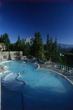 Alberta - Canadian Rockies - Banff Upper Hot Springs in Banff National Park. Canada's highest Hot Springs at feet. Located on Sulphur Mountain. Best Vacation Spots, Best Vacations, Vacation Destinations, Places To Travel, Places To See, Sulphur Mountain, Canada Travel, Canada Trip