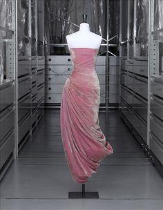 Robe du soir, Grès | Palais Galliera | Musée de la mode de la Ville de Paris
