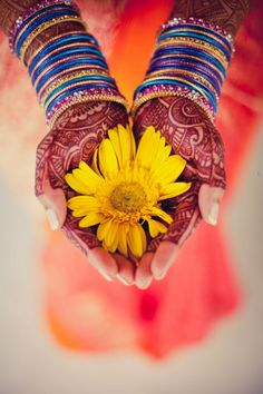I was 21 years old. Left my life in the western world to get married and live a blissful life in India. So blissfully unaware of what I was getting myself into. Mehndi Tattoo, Henna Mehndi, Mehendi, Indian Henna, Mother India, Mehndi Photo, Mehndi Designs, Indian Fashion, Amazing Photography