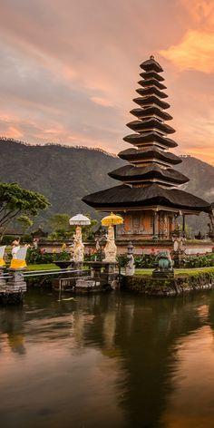 Pura Ulun Danu Bratan Hindu Temple on Bratan lake, Bali
