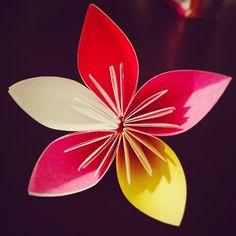 【___nao1017___】さんのInstagramをピンしています。 《桜折れたやで #折り紙 #桜 #origami #sakura #もっと作らな #ディズニー行きたい #オカルティックナインの聖地巡礼したい #吉祥寺 #全然いったことない》