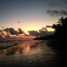 #envisionfestival #costarica #playauvita #birthdaysunset  by desertbonez
