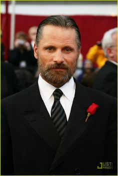 A heavily bearded Viggo Mortensen arrives at the 2008 Oscars held at the Kodak Theatre on Sunday in Hollywood. Description from justjared.com. I searched for this on bing.com/images