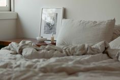 Natural Interior, Linen Duvet, Mid Century House, Flat Sheets, Vintage Furniture, House Tours, Interior Styling, Duvet Covers, Minimalism