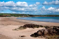 Clonea beach is a long and wide sandy beach with fantastic views and scenic walks. A must see if you stay at Gold Coast Holiday Homes. http://www.irishcottageholidays.com/accommodation-detail/en/cottage-29/Gold_Coast_Holiday_Cottages