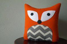 Fox Pillow - Orange with Gray Chevron - Decorative Throw Pillow - Woodland Nursery Chevron Gris, Woodland Theme, Woodland Nursery, Sewing Toys, Baby Sewing, Fox Pillow, Fox Crafts, Diy Y Manualidades, Fox Nursery