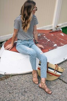 How to Nail French Girl Style this Summer | Jess Ann Kirby Parisian Summer, Parisian Chic Style, French Summer, French Girl Style, French Girls, French Classic Style, French Lady, French Beauty, Style Chic Parisien