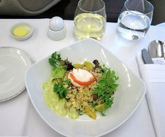Why inflight airline food is so blah - it's not all their fault! A Food, Food News, New Recipes, Lamb, Meals, Ethnic Recipes, Singapore, Aviation, Business