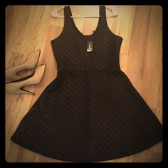 Monday sale only! NWT black EXPRESS dress size M MWT black beautiful dress for fun party or perfect with jean jacket super chic ... Any question feel free to ask ✌️ Express Dresses