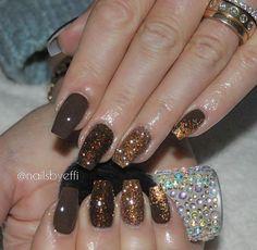 Thanksgiving Nail Designs, Thanksgiving Nails, Fall Nail Art, Autumn Nails, Solid Color Nails, Nail Colors, Fun Nails, Pretty Nails, Gel Nagel Design