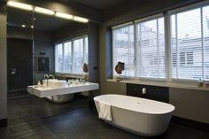 baño moderno con decoraciones originales