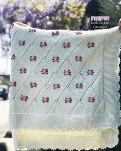 morsalkimorgu … Banyo – home accessories Crochet Blanket Patterns, Baby Knitting Patterns, Baby Blanket Crochet, Crochet Baby, Knitting Tutorials, Sunburst Granny Square, Manta Crochet, Hand Embroidery Designs, Free Baby Stuff
