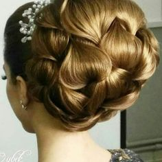 Beautiful hair do on wedding, how much you love plz comment Weddingwik … - Wedding Hairstyles
