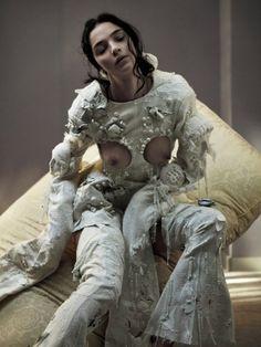 Mariacarla-Boscono-by-Katja-Mayer-for-CR-Fashion-Book-No.9-6-760x1013.jpg (760×1013) Mistress Annalisa