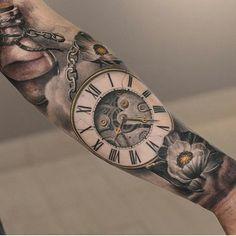 Clock tattoo by @darwinenriquezat @lastritestattoo in New York City, NY #darwinenriquez #lastrites #lastritestattoo #lastritestattootheatre #nyc #newyorkcity #newyork #clocktattoo #flowertattoo #tattoo #tattoos #tattoosnob