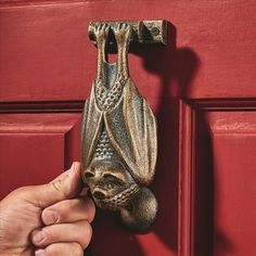 Zoom Hanging Bat, Vampire Bat, Iron Doors, Retro Home Decor, Door Knockers, Gothic Fashion, Cast Iron, Door Handles, Hardware