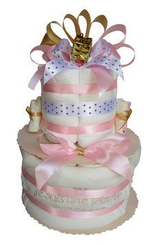 Gateau de couches Pampers en habit de fête pour accueillir bébé Cadeau Baby Shower, Diaper Cakes, Holiday Clothes, Bebe