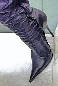 Leather High Heel Boots, High Boots, Heeled Boots, Ankle Boots, Hot High Heels, Sexy Heels, Botas Sexy, Socks And Heels, Pointed Toe Heels