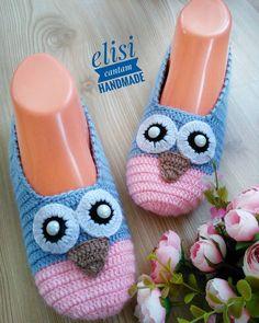 Crochet Baby Boots And Hat Leg Warmers Ideas Knit Slippers Free Pattern, Crochet Cowl Free Pattern, Crochet Shoes Pattern, Shoe Pattern, Knitted Slippers, Crochet Patterns, Crochet Baby Jacket, Crochet Baby Beanie, Crochet Baby Boots